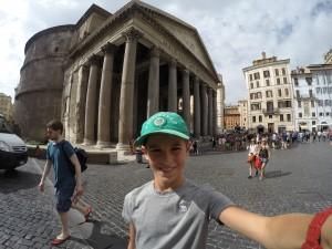 Selfie at the pantheon.